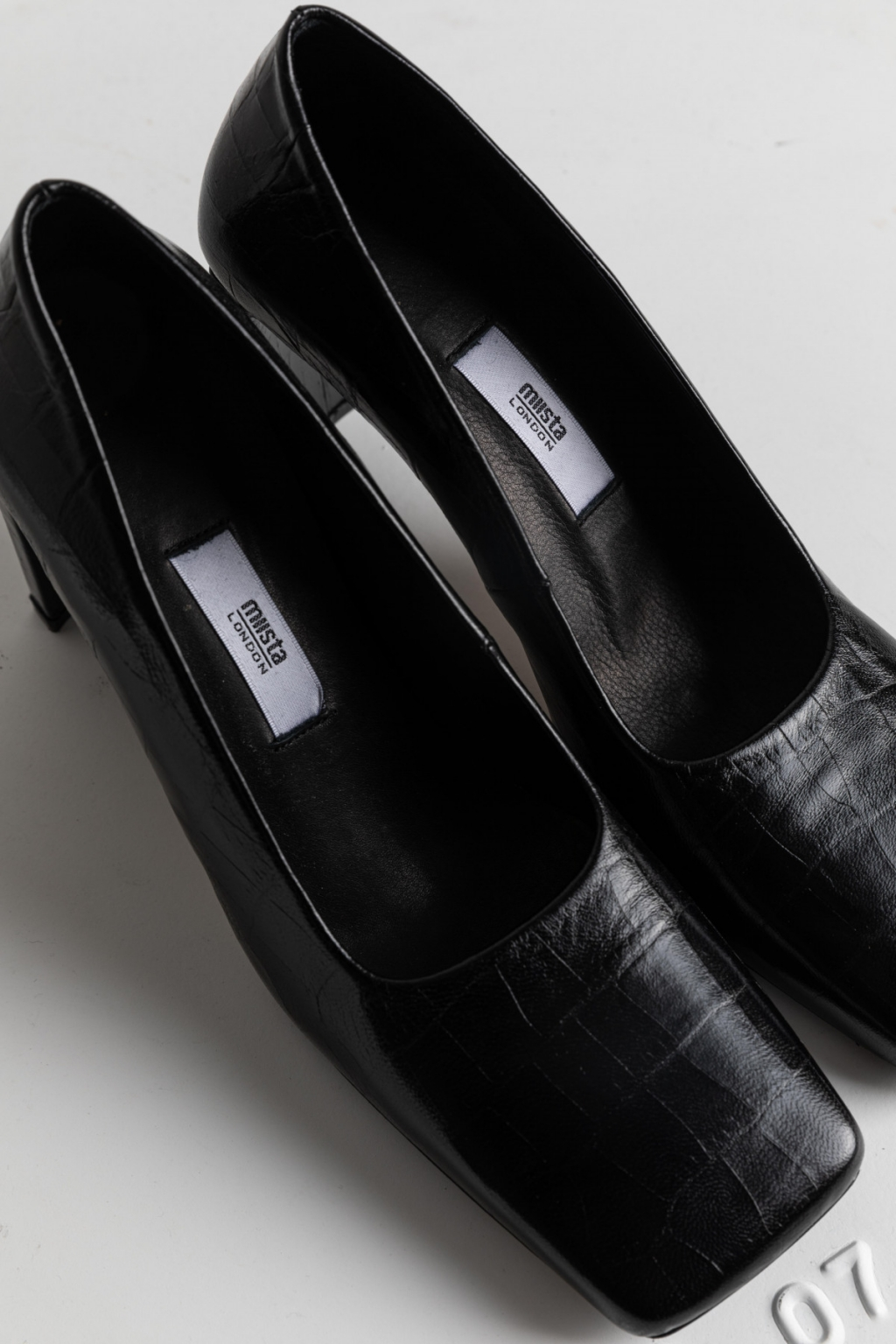 MIISTA shoes are now available on our online shop!